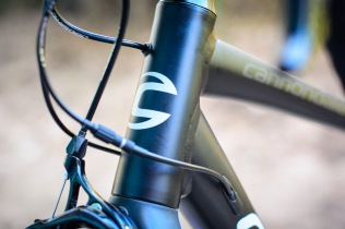 The head tube is very tall compared to competitors' bikes. This suits riders with lower flexibility, but will feel a little wandery at low speeds for others.